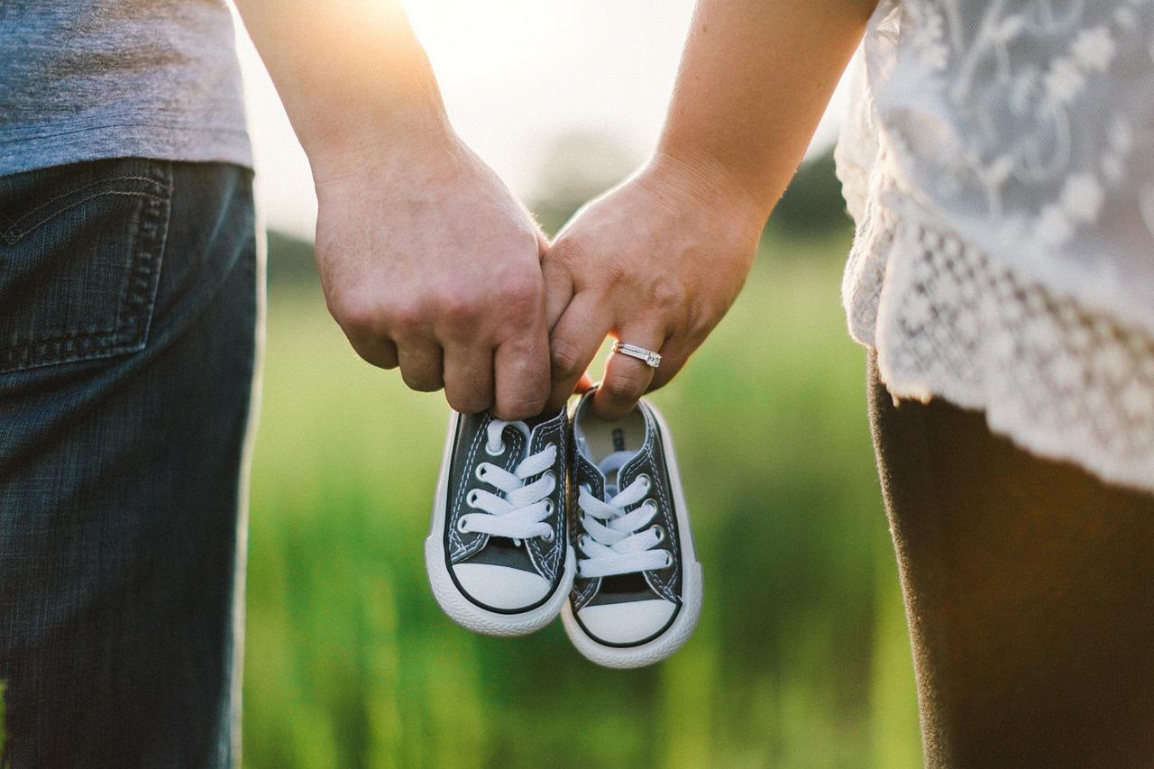 holding hands, shoes, little-918990.jpg